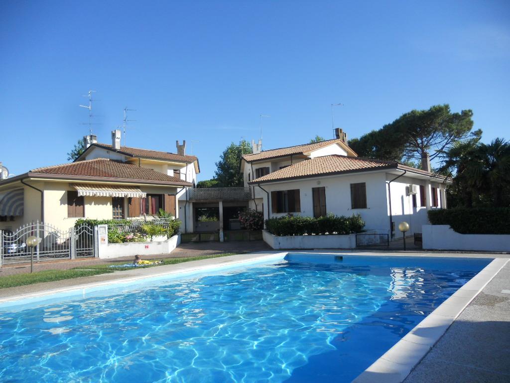 Ca doro 84 villa con piscina agenzia immobiliare rossi - Villa con piscina ...